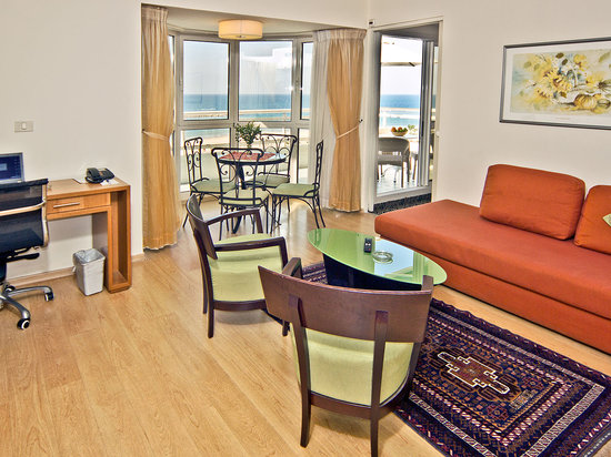 Lusky Hotel Rooms &amp; Suites: two bedroom penthouse
