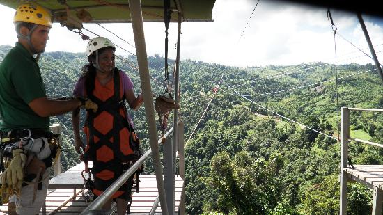 Acacia Boutique Hotel: Zipline