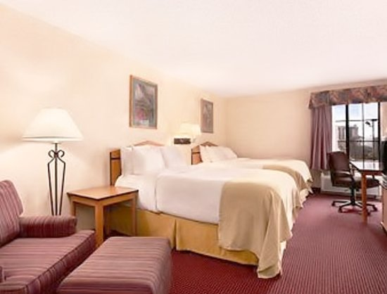 Red Lion Inn & Suites Denver Airport: Suite