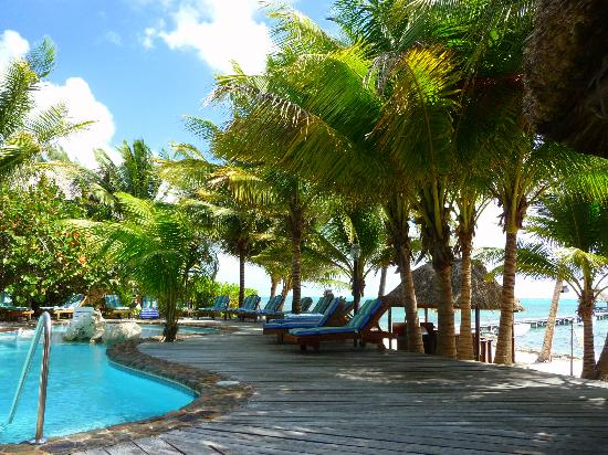 Xanadu Island Resort Belize: Shade!