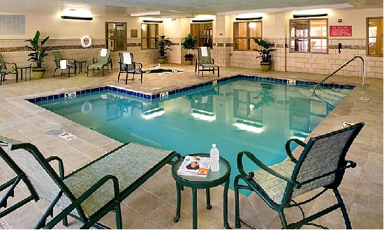 Country Inn & Suites Knoxville at Cedar Bluff: Indoor Saltwater Pool