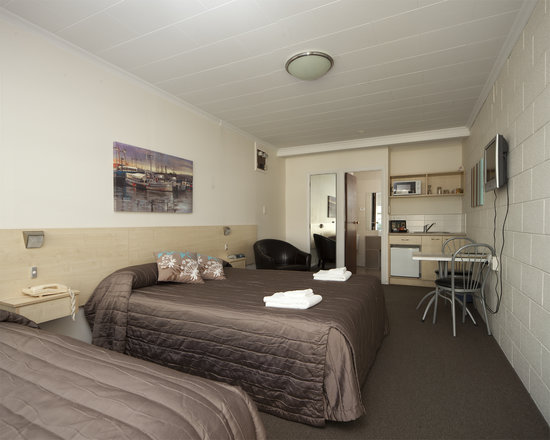 Gateway Motel Picton Accommodation: Studio Queen Unit