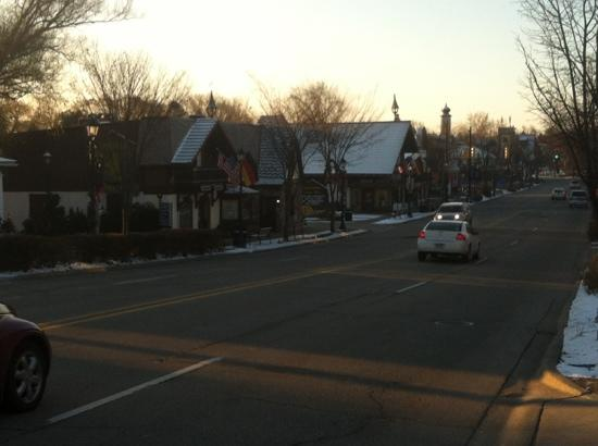 SpringHill Suites Frankenmuth: early morning view down main street from hotel parking lot.