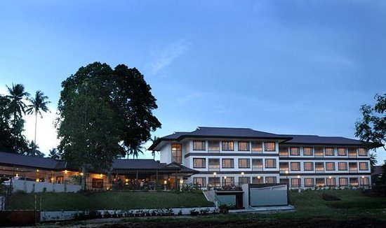 Hotel Tropika Davao