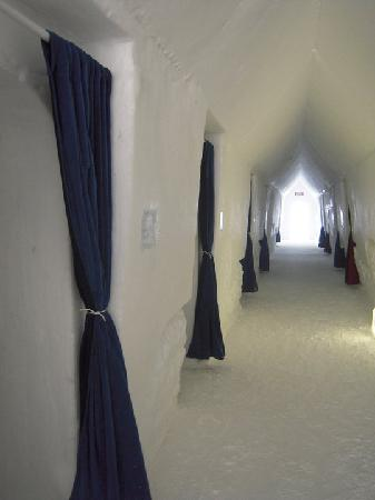 Hotel de Glace : One section of hotel rooms