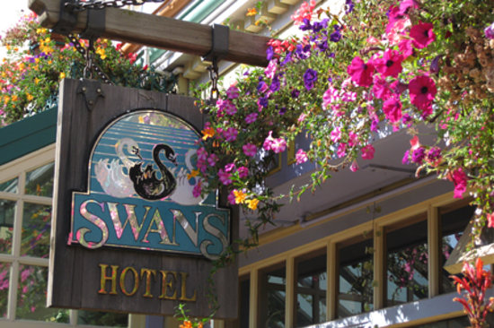 Photo of Swans Suite Hotel - Victoria's Boutique Art Hotel