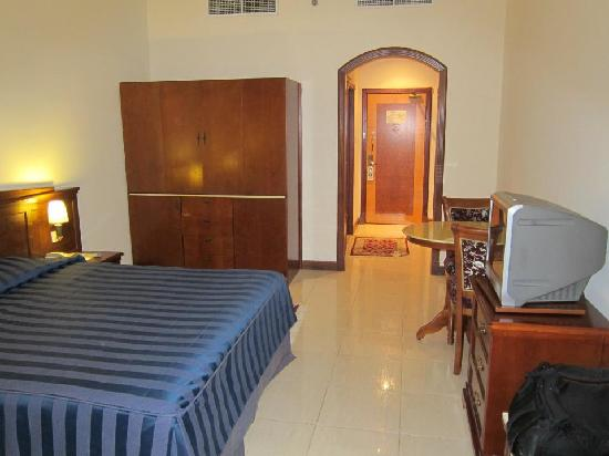 Moon Valley Hotel Apartments: Rooms are quite big.  TV is not though.