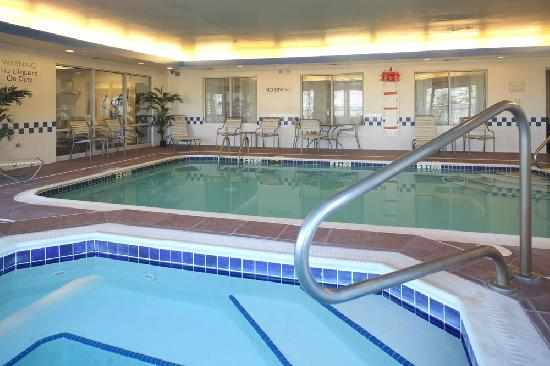 Swimming Pool Open Until 11pm Picture Of Fairfield Inn Suites Cleveland Streetsboro