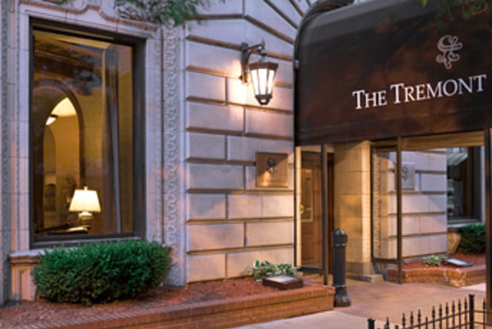 The Tremont Chicago Hotel at Magnificent Mile: Hotel Exterior