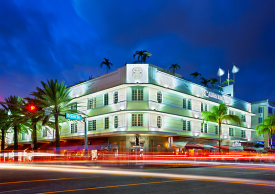 Bentley Hotel South Beach: Corner Ocean Drive View