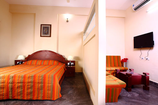Mangala Towers (Thrissur, Kerala) - Hotel reviews, photos, rates ...