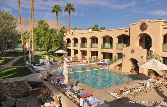 Desert Sun Resort : World Famous Au Naturel Resort
