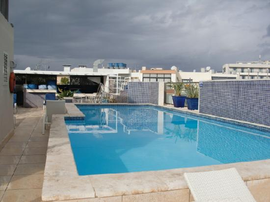 Nachtleben picture of hotel juliani saint julian 39 s for Rooftop swimming pool