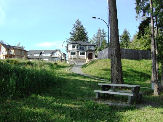 Eagle Rock Bed and Breakfast Chemainus: Park with Our Beach 200 Feet from Our Doorstep
