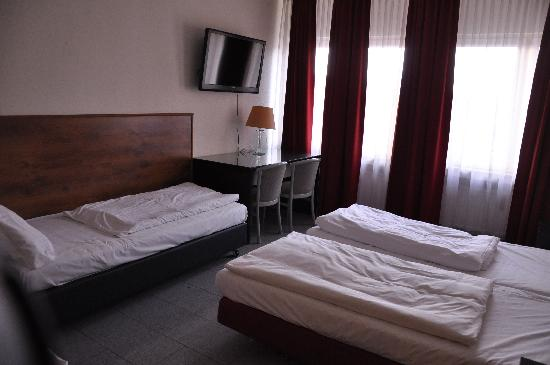 Hotel Madison am Dom: chambre quadruple n35