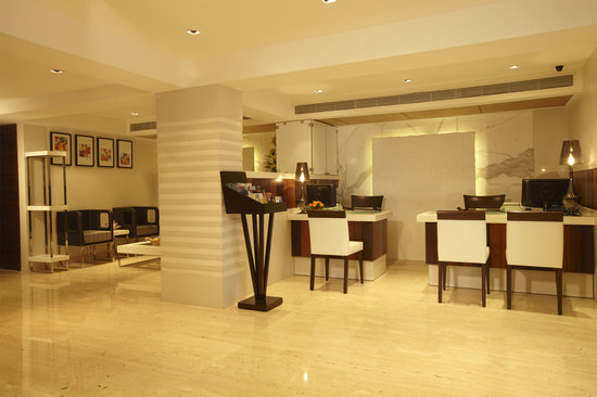 Hotel Bawa Continental: Lobby Area