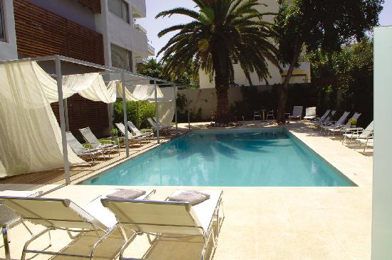 Brasil Suites Hotel Apartments: Swimming pool area
