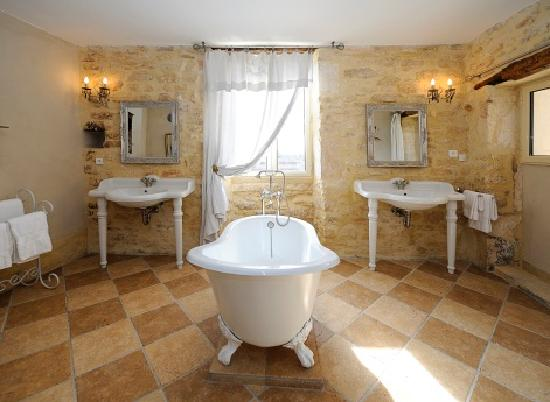Le Garn, Frankrijk: Salle de Bain de la Suite Pampilles