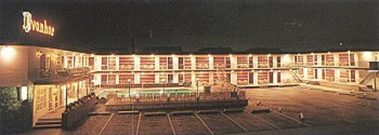Ivanhoe Motel and Apartments