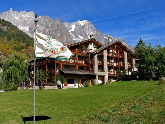 Auberge de la maison courmayeur italy hotel reviews for Auberge de la maison courmayeur