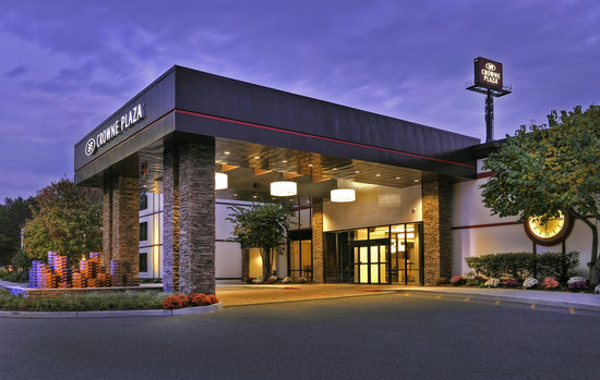 "Crowne Plaza, Suffern: Crowne Plaza Suffern ""Welcome"""
