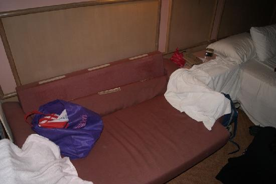 Grand Continental Melaka: The so-called sofa was bad - it's old and smelled bad