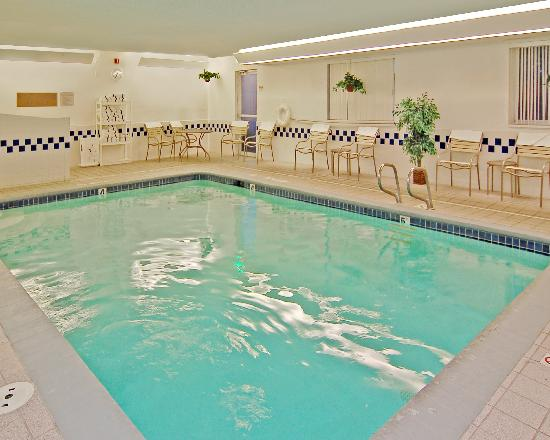 Comfort Inn Coeur d'Alene: Swimming Pool