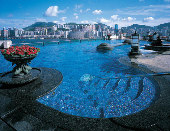 Harbour Grand Kowloon: Rooftop pool with panoramic views of Victoria Harbour