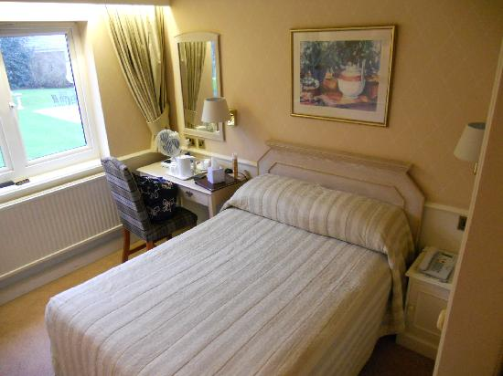Alderley Edge Hotel: Standard room
