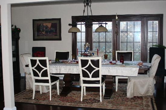 Woodstock Inn Bed and Breakfast: dining room