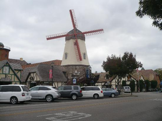 Svendsgaard&#39;s Lodge - Americas Best Value Inn: Windmill across the street