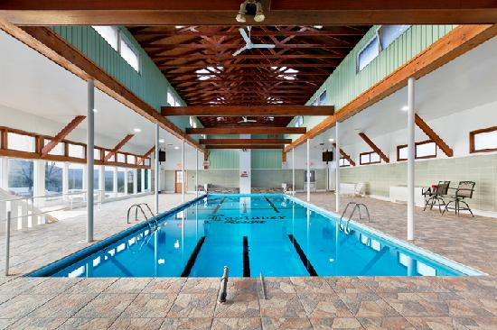 Eastover Hotel and Resort: Indoor heated pool