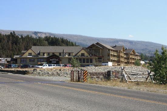 great bear lodge picture of st mary lodge resort