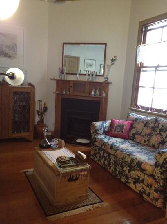 Clovelly Bed & Breakfast: living room