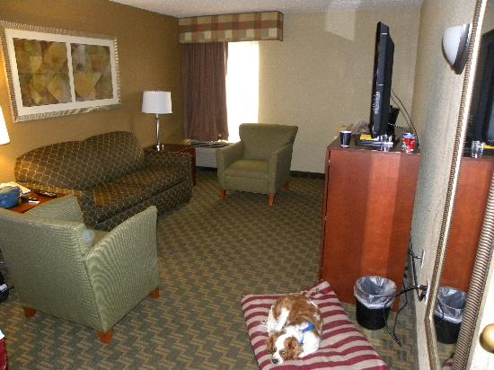 La Quinta Inn Cleveland Airport North : Part of 2-bedroom suite