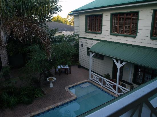 Victoria and Alfred Guest House: There is a small swimming pool