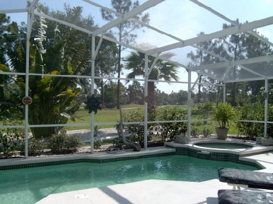Avalon Vacation Villas: Screen Enclosed Private Pools