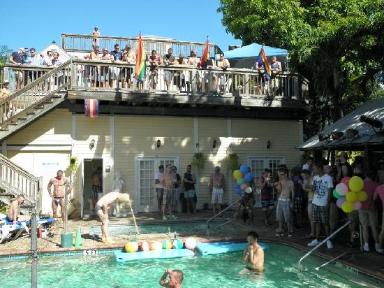New Orleans House: Pool Party
