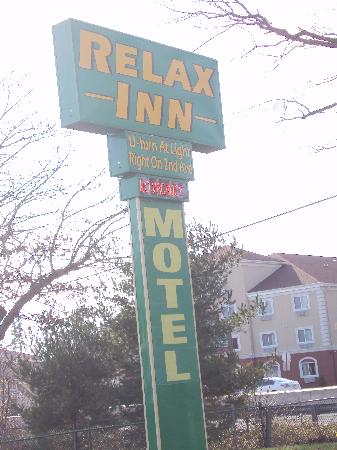 Relax Inn: never again!