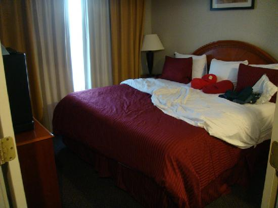 La Quinta Inn &amp; Suites Willowbrook: Comfy beds