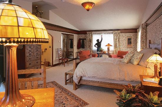 Parkside Guest House: The house is tastefully furnished and decorated in the Arts & Crafts tradition.