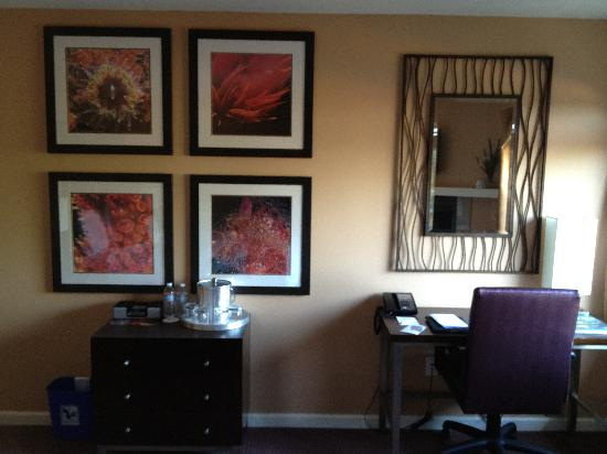 Mariposa Inn and Suites: Great decor