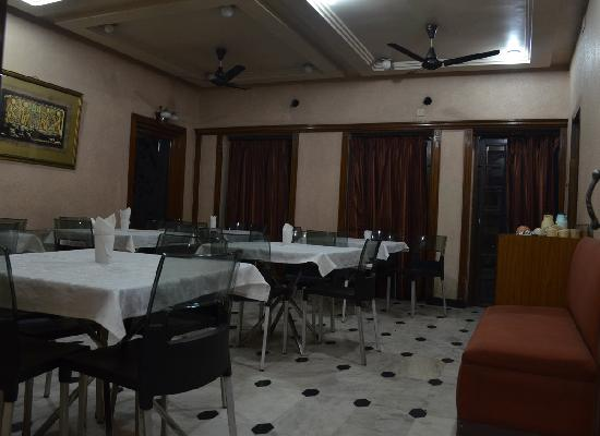Hotel Camac Plaza: Resturant