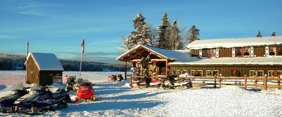 Tall Timber Lodge: Fantastic Snowmobiling