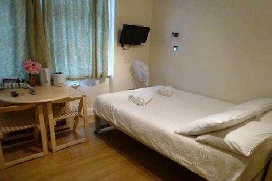 Photo of FlexiStay Aparthotel Tooting London