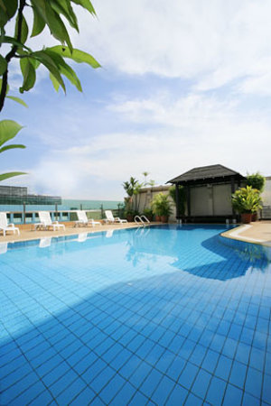 Bayview Hotel Singapore: Pool
