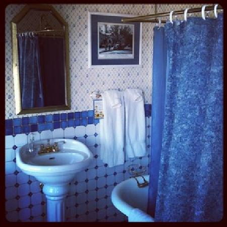 Bottger Mansion of Old Town: Claw foot tub