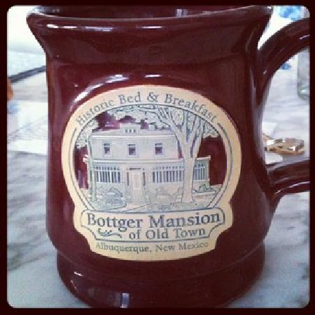 Bottger Mansion of Old Town: Coffee was right on time every morning.