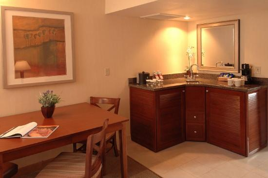 DoubleTree Suites by Hilton Tucson Airport: Suite