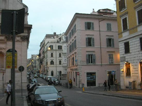 B & B Suburbe Roma : View from Via Cavour